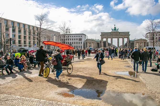 Small-Group Walking Tour of Berlin in 90 minutes with a Local