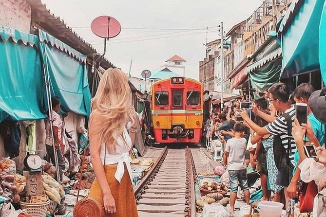Maeklong Railway & Floating Market Tour (Private & All-Inclusive)