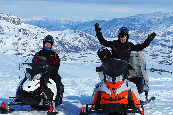 Snowmobile safari in the mountain plateau of Finnmarksvidda photo 8