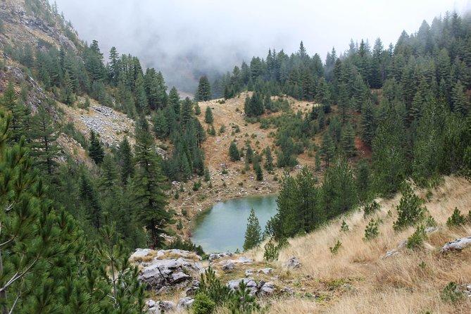 Hiking Liqenati Lake