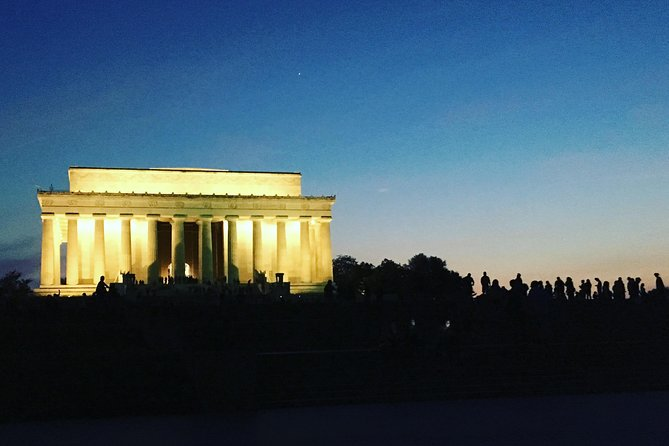 Monuments and Memorials Architecture Tour