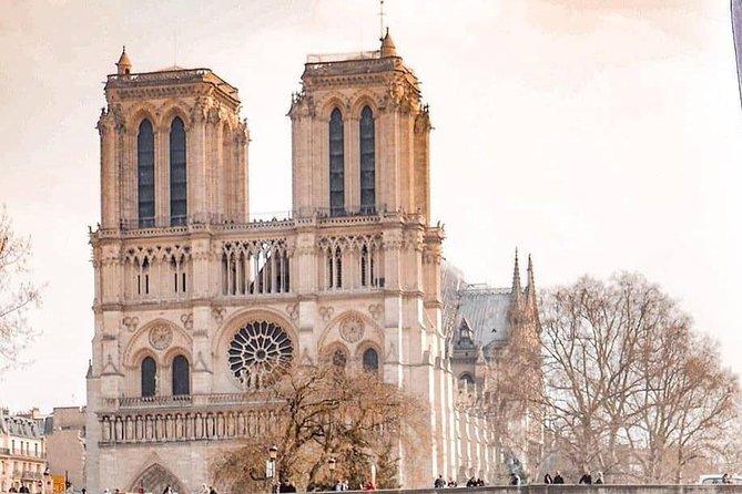 Paris City : Fabulous Sainte Chapelle & Surroundings Tour