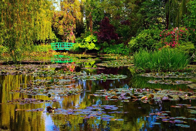Ultra - Private Transfer from Paris to Giverny to visit Claude Monet's Garden