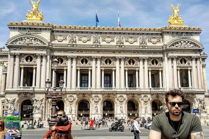 Paris Amazing Highlights & Hidden Gems Group Tour photo 1