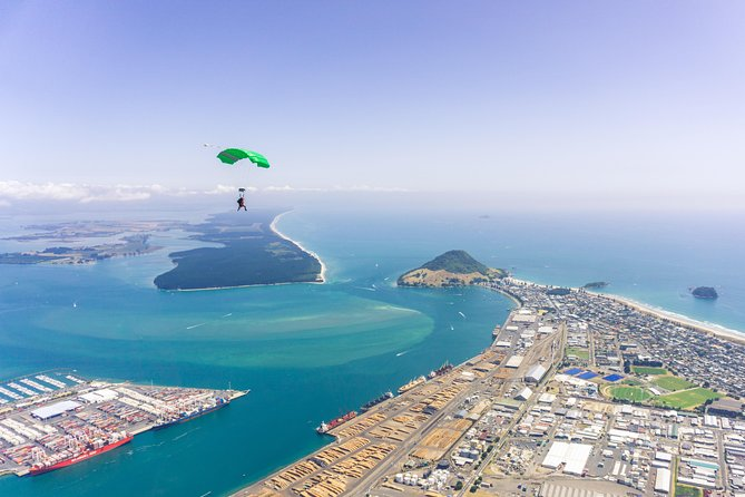 15,000ft Tandem Skydive in Bay of Plenty