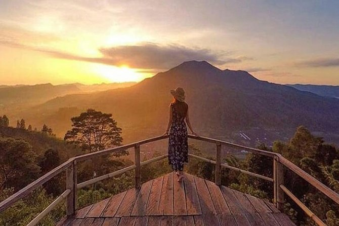 Bali Sunrise & Beautiful Fog Scenery - Pinggan Tour