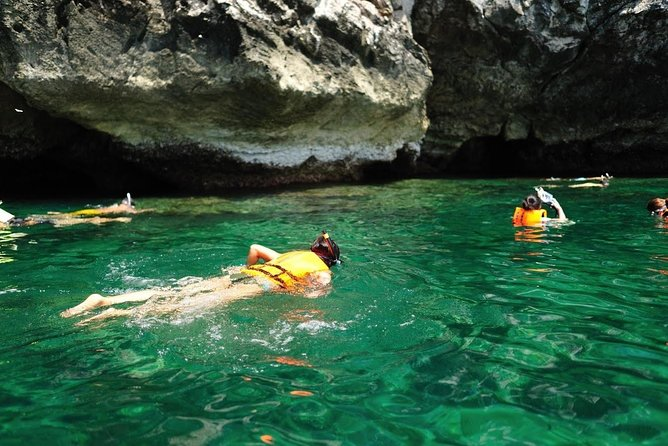 VIP Speedboat : Angthong National Marine Park (Small Group 14 People only) photo 15