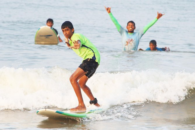 Learn to Surf in Dapoli MH