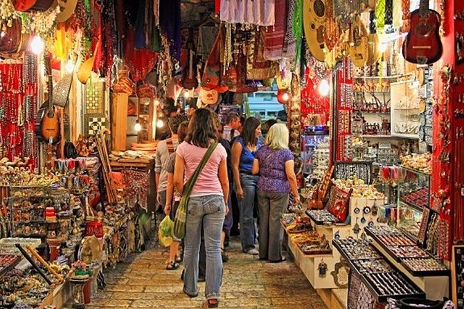 Private full Day Shopping tour (Textiles, Jewelries and carpets)