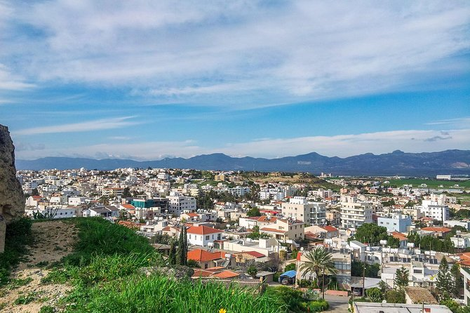 1 Hour: Tour of The Instagrammable Places of Nicosia with a Local