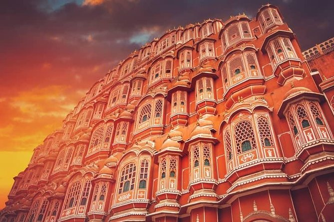 Skip The Line: Exclusive 2 Days Guided Jaipur Tour With Hotel, Lunch & Entry Fee
