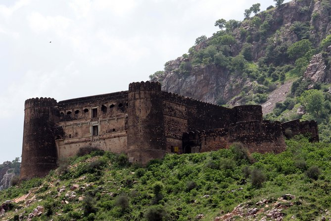 Day Trip to Abhaneri and Haunted Bhangarh (Guided Sightseeing Tour by Car)