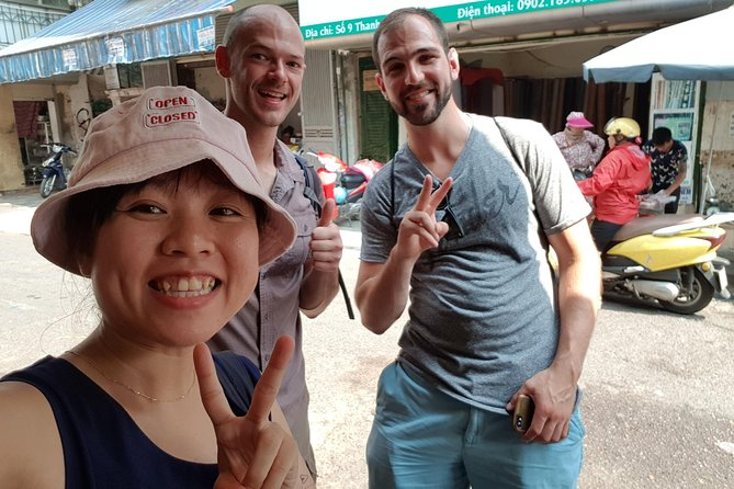 Hanoi daily street food tour + 8-10 dishes tasting with local guide