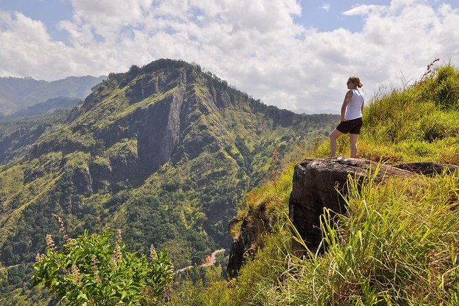 4-Hours Private Ella Rock Guided Hike