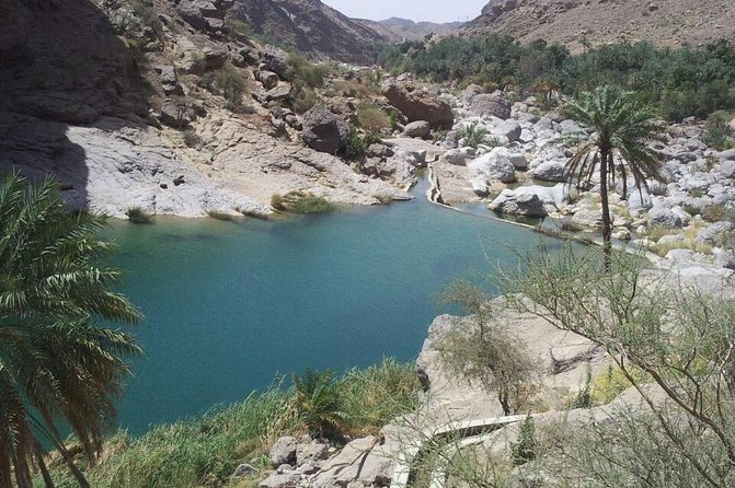 Hawer aqua hiking in wadi bani khalid