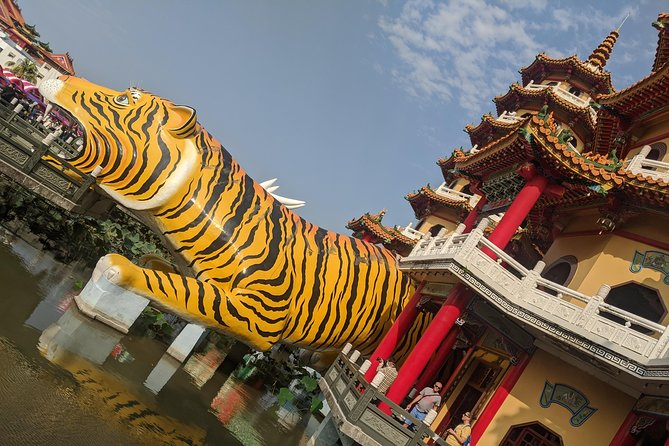 Explore Kaohsiung - 8 Hours Private Transfers - Best of Kaohsiung Sites