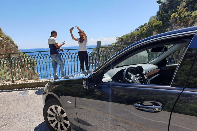 Private transfer from Naples to Amalfi with tour stop in Pompeii (2 hours)