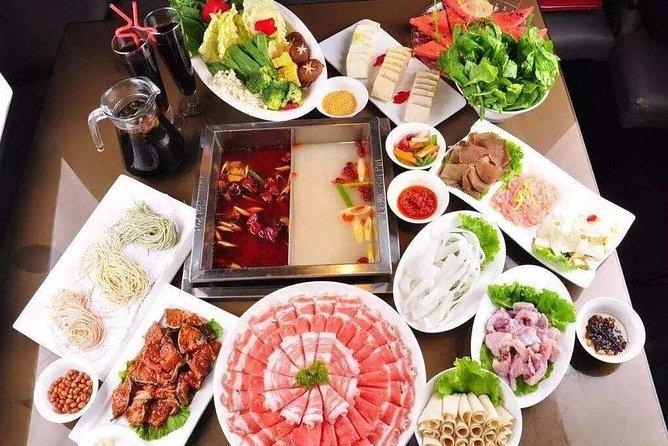 4-Hour Private Illuminated Beijing Tour with Haidilao Hot Pot Dinner