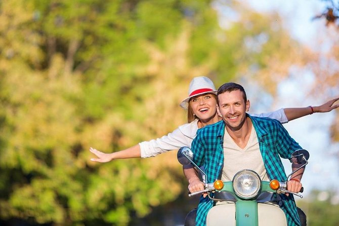 Private Vespa Vintage tour in Florence