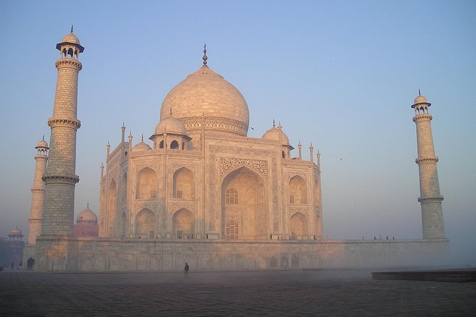 Private Day Trip of Agra Taj Mahal Sunrise Tour from Delhi.