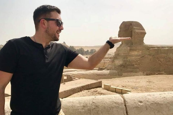 Last minute Giza pyramids tour and sphinx from Cairo/Giza hotel
