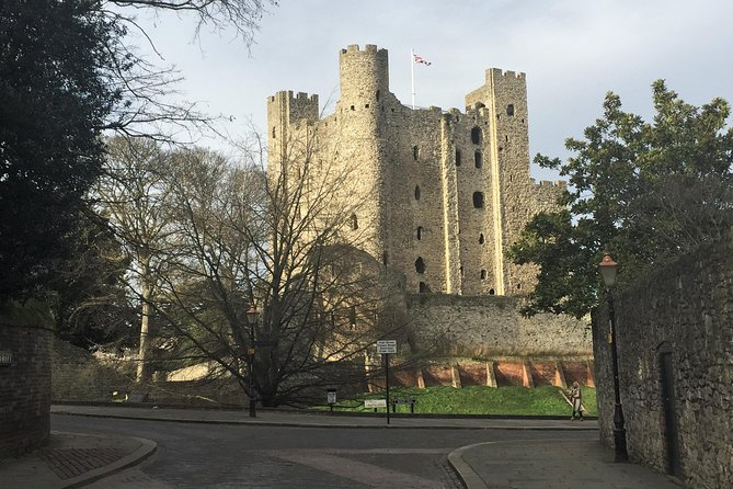 Private Day Tour to Rochester's Medieval Castle and the Town of Charles Dickens