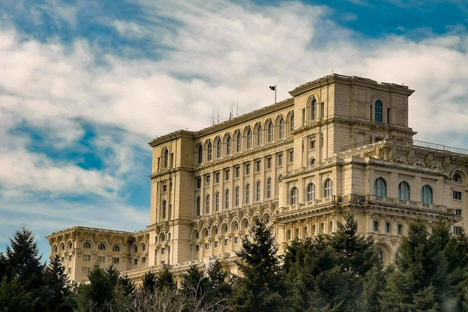 Bucharest Walking Tour: Discover the city!