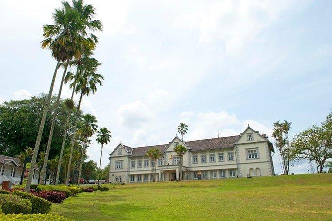 Kuching City Sightseeing Tour with Sarawak Museum