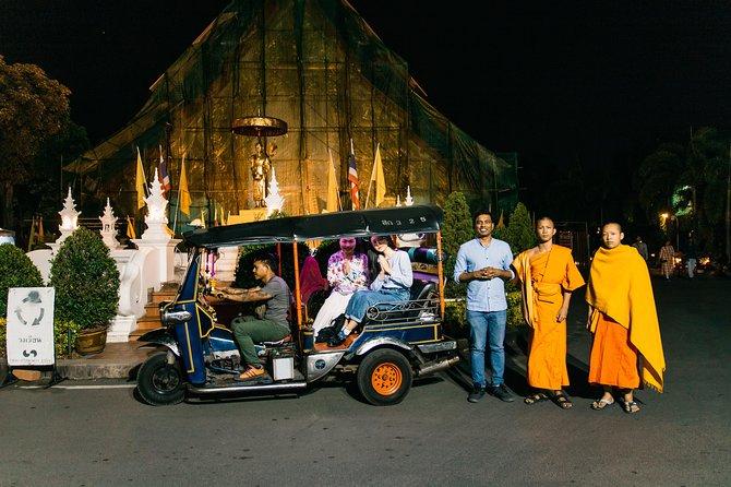 Chiang Mai Moonlight : Small Group Tuk Tuk Evening Tour