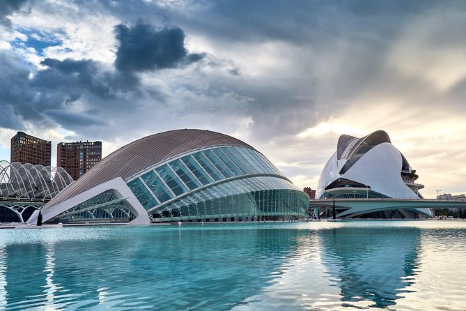 Architectural Walk of Valencia with a Local