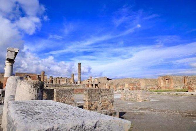 Skip-the-line Small Group Pompeii and Amalfi coast Tour