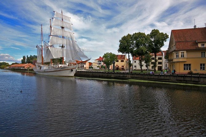 Private Shore Excursion: Walking Tour of Klaipeda + Amber Queen Museum