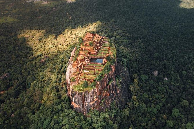 All Inclusive Sigiriya Rock Fortress and Dambulla Cave Temples Private Day Trip photo 7