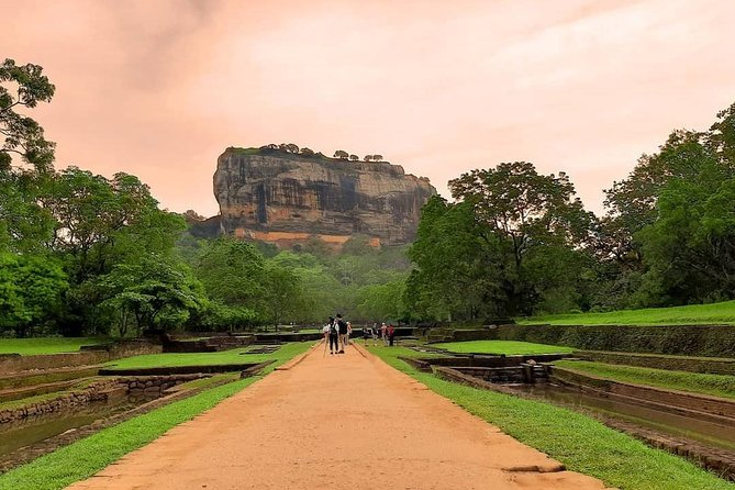 All Inclusive Sigiriya Rock Fortress and Dambulla Cave Temples Private Day Trip photo 10