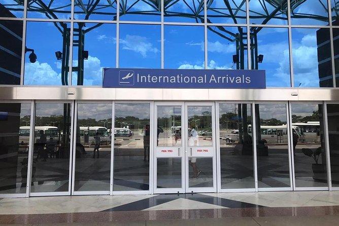 Victoria Falls: Private Airport to Hotel Transfer Service