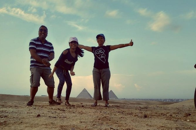 Explore The Great Pyramids of Giza & Sphinx