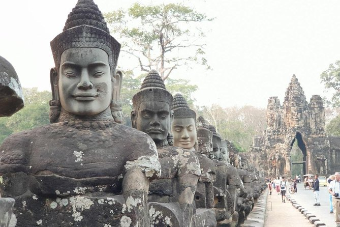 Angkor Highlights and Sunset Group Tour