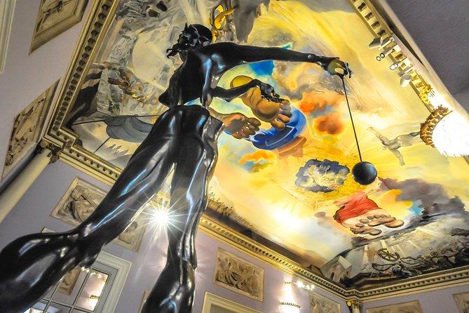 Excursión privada de un día de Salvador Dalí a Figueres y la Costa Brava desde Barcelona