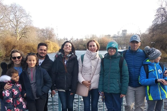 Small Group Classic London Highlights Walking Tour for Kids and Families