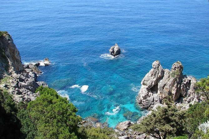 Corfu Private Tour with Greek Souvlaki Lunch and Transportation