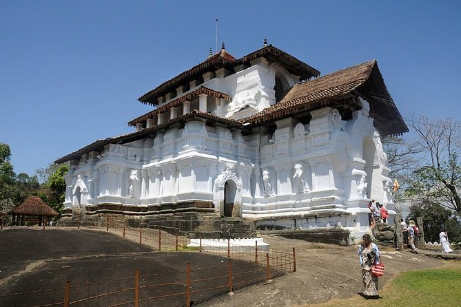 Day-trip from Kandy to 6 historical temples - Off the beaten path photo 7