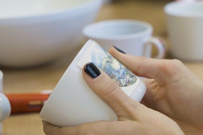 Create a unique porcelain cup with decals photo 4