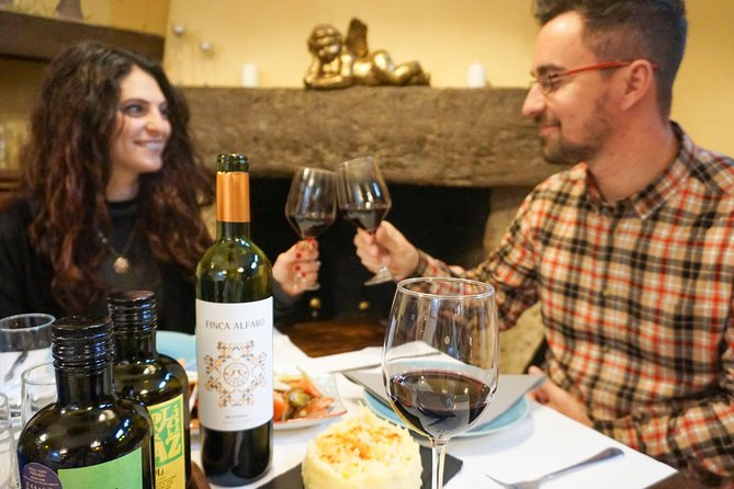 One winery and restaurant tour