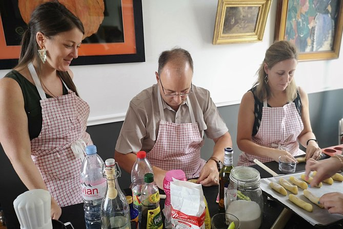 A French bistrot cooking class and lunch in Montmartre for private groups