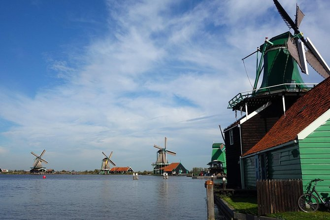 Private Volendam & Zaanse Schans Tour: windmills, cheese, clogs and folklore!