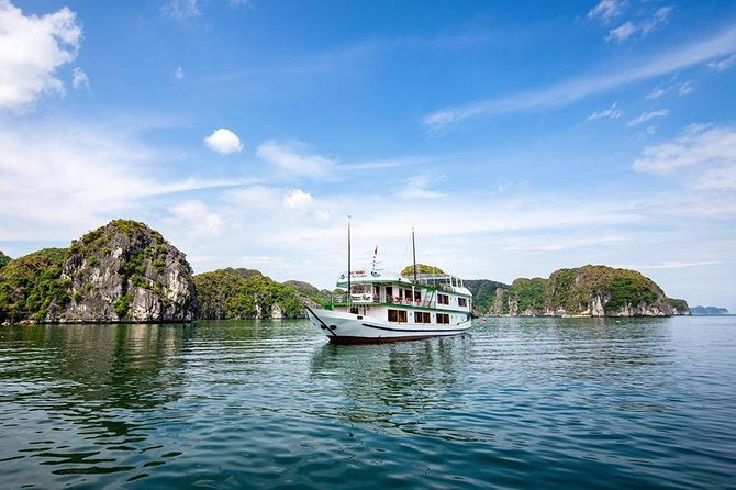 Halong Bay 2D1N BEST CRUISES All-Inclusive: Transfer, Meals, Kayak, Cave, Island