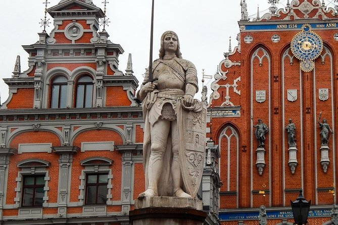 Join-in Shore Excursion: Sightseeing Tour of Riga