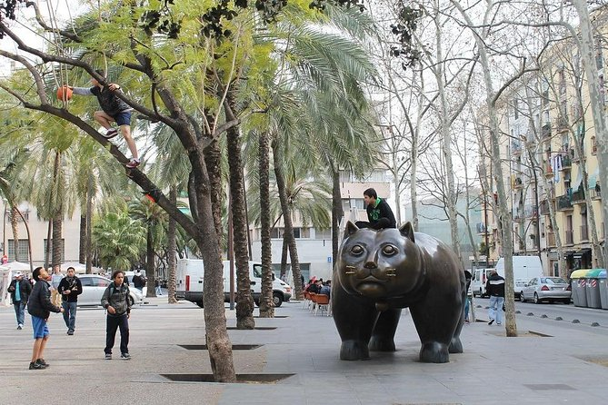 Barcelona Must Do : Raval Discovery & Skip the Line MACBA Museum (Private Tour)