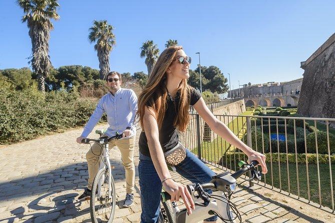 Barcelona eBike Highlights Tour & Sagrada Familia skip the line ticket