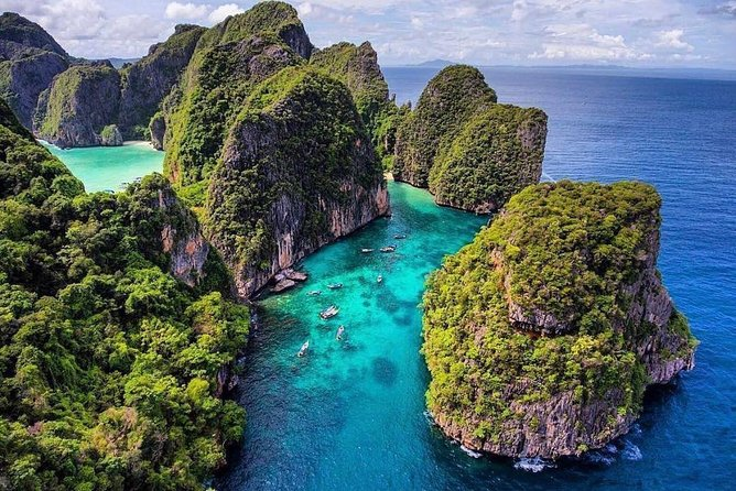 Discover the Wonderful Phi Phi, MaiTon & Khai Islands by Speedboat